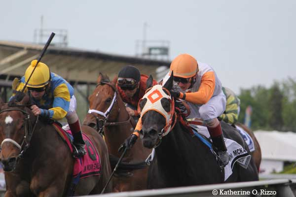 Ben's Cat wins the Jim McKay Turf Sprint for the fifth time