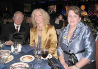 Dorie with her husband Frank Forte and sister Cindy Trapp